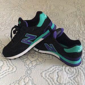 Size 8 515 new balance tennis shoes